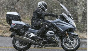 What to Look for When Searching for a Motorcycle Pants for Winter